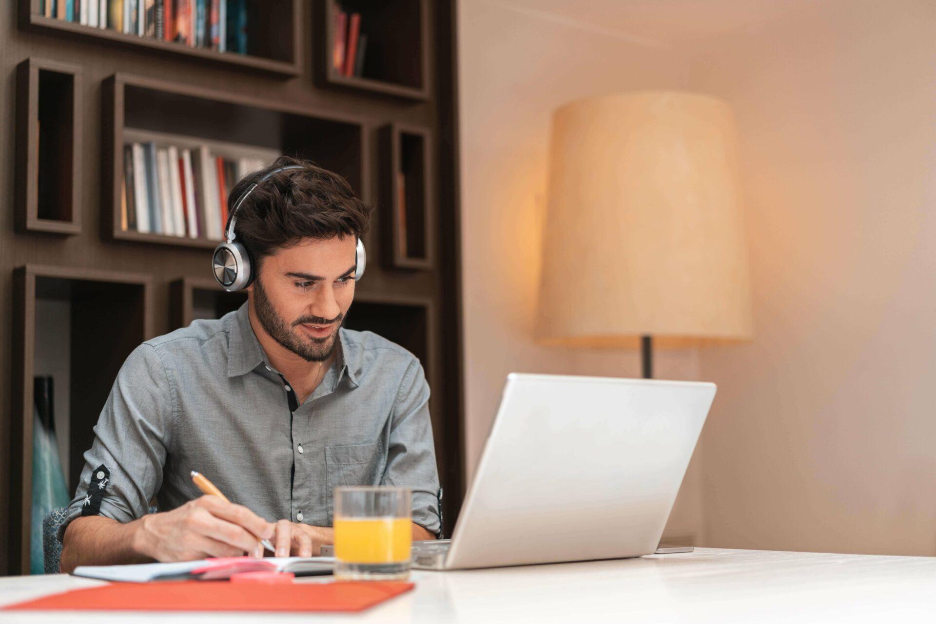 Ako práca na diaľku zlepšuje vzťah pracovníkov kfirme?