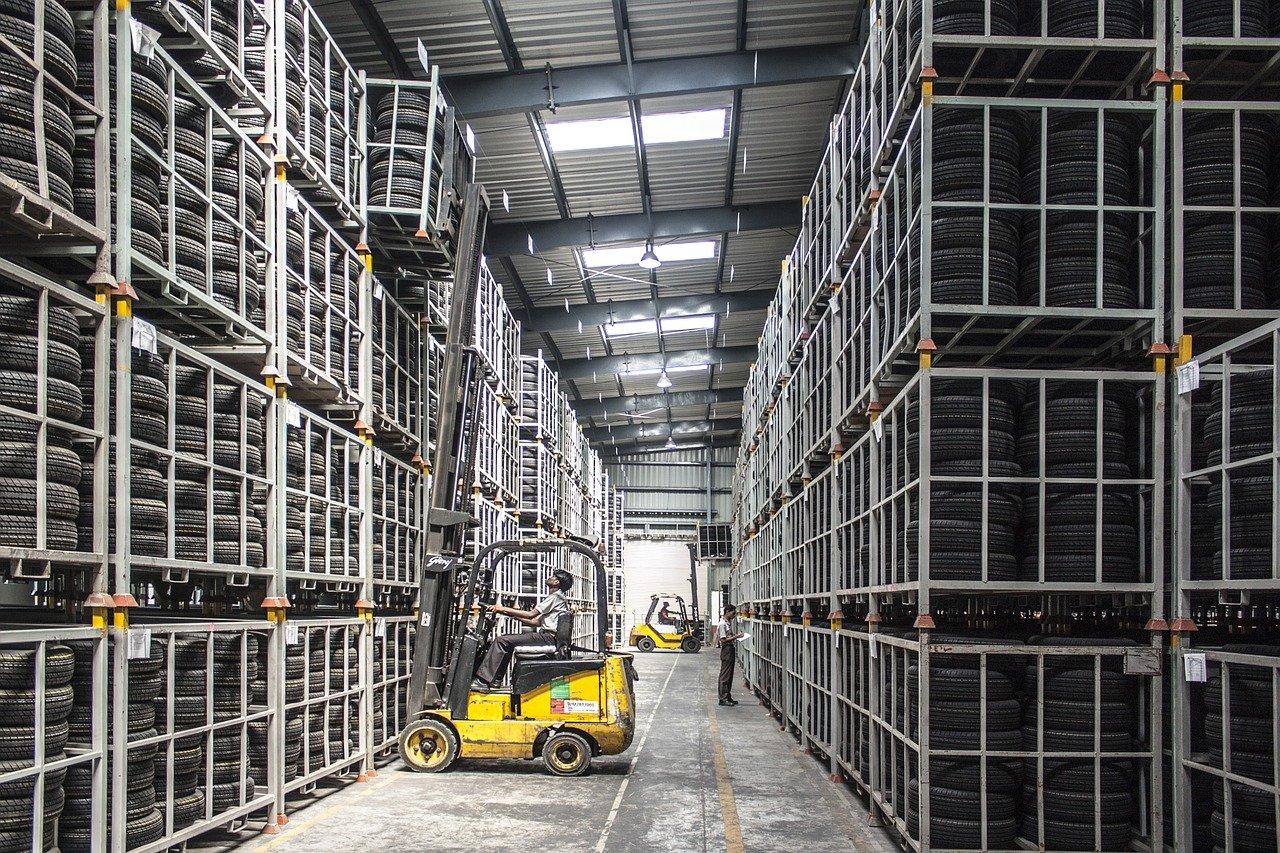 Inteligentné skladovanie: Budúcnosť automatizovaných logistických skladov